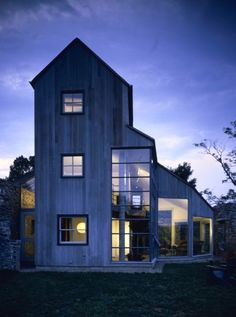 Such an interesting little project - A small house nestled within the original stone foundation of an old barn. Bohlin Cywinski Jackson | Gaffney House