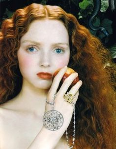 Lily Cole for De Beers Fall/Winter 2005 Pre--Raphaelite Lily Cole, Foto Fashion, Fashion Models, Pre Raphaelite, Ginger Hair, Belle Photo, Redheads, Editorial Fashion, Beautiful People