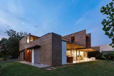 17x17 House / Matías Imbern