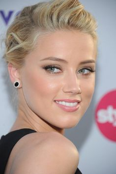 Amber Heard she's gorgeous