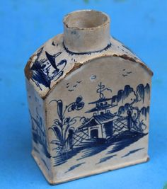 18th CENTURY PEARLWARE TEA CANISTER / CADDY Leeds creamware Blue & White