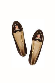 Slippers Tauro de Charlotte Olympia (595 €).