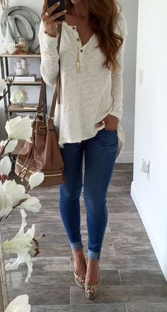 Fall & winter outfit - White loose henley top, jeans & heels
