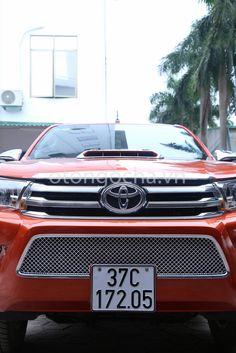 Mặt Ga lăng Toyota Hilux Revo 2016