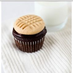 Peanut butter cookie and a chocolate cupcake!!!