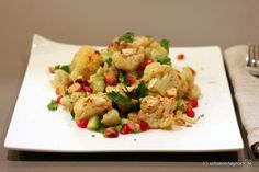 Schöner Tag noch!: Nachgekocht: Salat aus geröstetem Blumenkohl und Haselnüssen mit Granatapfel