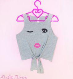 Blog da Renata Princess : Como deixar sua blusa mais estilosa com apenas doi...