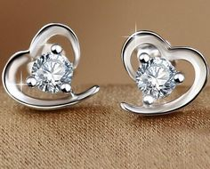 Wallmart.win New Arrivals Silver Plated Zircon Filled Heart Shaped Stud Earrings for Women Lovely Studs for lady brincos Wholesale: Vendor:…
