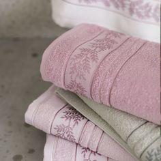 Jacquard Weave, Diy And Crafts, Towel, Weaving, Strands, Towels, Washroom, Up Dos, Top Coat