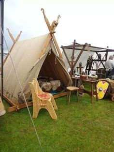 Lots of outside individuals stop working to differentiate between outdoor camping and touring. They spend maybe a week of their two-week camping vacation simply getting to and coming from. Viking Tent, Viking Camp, Larp, Vikings Live, Norse Vikings, Tent Camping, Camping Hacks, Camping Gear, Camping Storage