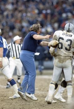 John Madden playing peacemaker with the Raiders vs Colts Football Usa, Nfl Football Players, Football Photos, School Football, American Football, Nfl Coaches, Raiders Players, Oakland Raiders Football, Raiders Fans