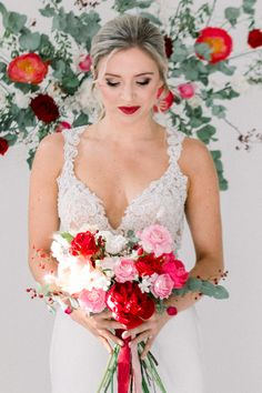Bold Red Wedding Inspiration – Shannon O Neil Photography 33  Calling all bold and romantic modern brides! It's time to consider this Cherry Red Wedding Inspiration.  #bridalmusings #bmloves #wedding #ido #bride #groom #red #cherryred #popcolor #bold #daring #weddinginspo #weddinginspiration #inspiration Red Wedding, Wedding Things, Eclectic Wedding, Modern Wedding Inspiration, Bridal Musings, Cherry Red, Beautiful Bride, Color Pop, Photography Ideas
