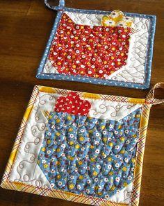 chicken pot holders - tutorial here http://www.sewinspiredblog.com/2010/02/chicken-quilt-block-tutorial.html