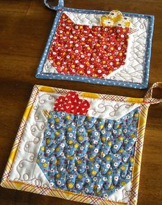 chicken pot holders - tutorial here http://www.sewinspiredblog.com/2010/02/chicken-quilt-block-tutorial.html