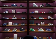 a9d7c721fb0c 17 Best Shoes Display images in 2017 | Shoe display, Boutique stores ...