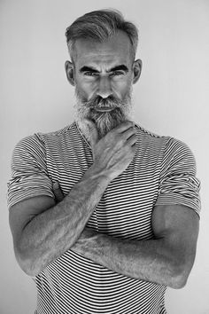 Portrait Poses, Portraits, David Hair, Style Masculin, Grey Beards, Moda Blog, Silver Foxes, Men With Grey Hair, Moustaches