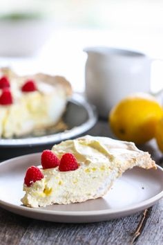 Ultimate Lemon Meringue Pie by www.eatliverun.com