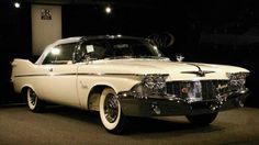 1960 Chrysler Imperial Crown Convertible Coupe - front/side