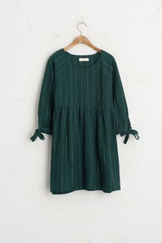 Tied Sleeves Stripe Dress, Green by lina Look Fashion, Hijab Fashion, Autumn Fashion, Fashion Outfits, Womens Fashion, Latest Fashion, Fashion Trends, Dress Me Up, I Dress