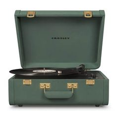 Crosley Portfolio Vintage Bluetooth Suitcase Turntable with Built-in Speakers, Quetzal Built In Speakers, Stereo Speakers, Usb Turntable, Receptor, Powered Speakers, Cassette, Gadgets, Usb Drive, Record Player