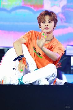 In which a guy named Mark Lee starts texting you to make you smile. Mark Lee, Jaehyun, Capitol Records, Winwin, K Pop, Shinee, Nct 127 Mark, Ntc Dream, Lee Min Hyung