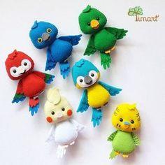 Super how to sew felt animals plushies Ideas Felt Animal Patterns, Felt Crafts Patterns, Sewing Toys, Sewing Crafts, Sewing Projects, Bird Crafts, Flower Crafts, Felt Books, Felt Decorations