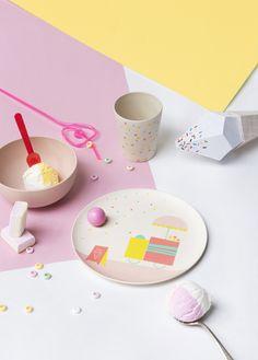 Let's Have a Picnic! http://petitandsmall.com/kids-fun-tablewear/