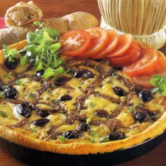 Kartoffelpizza und Pizzabrot  Kartoffelpizza, aus Apulien stammt dieses ungewöhnliche Pizza-Rezept mit Sardellenfilets und Mozarella, bei dem der Boden aus Kartoffelteig besteht. Pizzabrot: Als Knabberei zu einem Glas Wein oder als Beilage zu einer italienischen Vorspeise sind diese aromatischen Brote genau richtig. Fühlen Sie sich wie beim Italiener um die Ecke.  http://www.schlemmereckchen.de/kartoffelpizza/