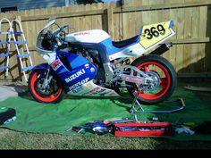 1994 GSXR forks rebuilt, Racetec springs. Fox shock