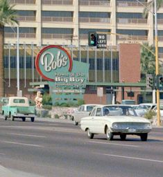 The oldest remaining Bob's Big Boy location W Riverside Drive, Burbank, CA Declared a historical landmark by the state of California in Big Boy Restaurants, Boys Home, Riverside Drive, Historical Landmarks, Atomic Age, Googie, Space Age, Diners, Ranch Style