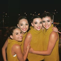 Added by @hahaH0ll13 Dance Moms Mackenzie and Maddie Ziegler, Kendall Vertes, and Kalani Hiliker