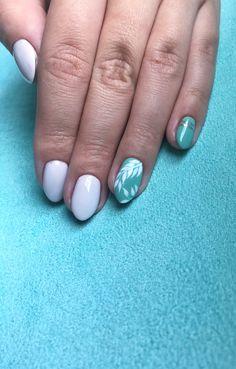 Nails green white leaf flower  spring