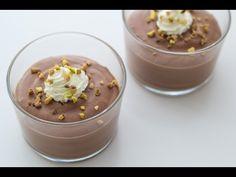 En super lækker og meget nem opskrift på chokolademousse. Du skal kun bruge 4 ingredienser! Her får du opskriften OG en video af fremgangsmåden.