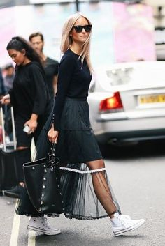 Cool contrast of sheer skirt and sneakers. - Total Street Style Looks And Fashion Outfit Ideas Fashion Mode, Look Fashion, Autumn Fashion, Womens Fashion, Fashion Design, London Fashion Weeks, Chicago Fashion, Style Outfits, Fashion Outfits