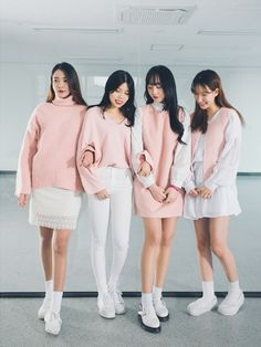 Korean Fashion Trends you can Steal – Designer Fashion Tips Korean Fashion Trends, Korea Fashion, Asian Fashion, Look Fashion, Daily Fashion, Winter Fashion, Kpop Outfits, Korean Outfits, Fashion Outfits