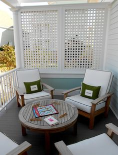 porch ideas deck privacy screen built and designed with unpainted wood t.privacy porch ideas deck privacy screen built and designed with unpainted wood t. Kylie Johnson — The Design Files Porch Privacy Screen, Deck Privacy Screens, Privacy Wall On Deck, Privacy Fences, Screened In Deck, Outdoor Curtains, House With Porch, The Design Files, Outdoor Living