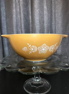Pyrex Butterfly Gold 442 Mixing Bowl - Mercari: The Selling App