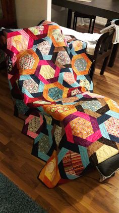 This was the first time I did this kind of Y-seam and this colorful job. Not to mention the not straight binding. It was fun and interesting. Learned new skills doing this. Thanks to #Fons&Porters Scrap Quilts Summer 2015.