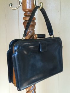 $70 Vintage Evans Elegance Handbag Purse Black by brownfieldsupplies