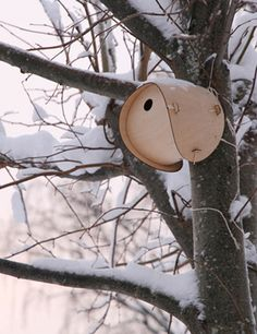 flat-pack wooden birdhouse: Jack Smith/RCA Christmas Fête....not a chair but LIKE IT