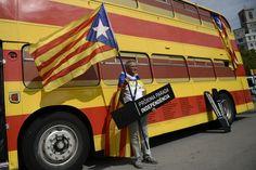 Barcelona másfél év múlva főváros lehet. Nem a kultúráé és nem a focié, hanem a Spanyolországtól független Katalóniáé. A vasárnapi katalán parlamenti választások eredményéről és annak várható hatásairól Farkasová Gabriela írt összefoglalót.