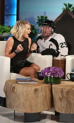 Carrie Underwood Gets the H-E Double Hockey Sticks Scared Out of Her on Ellen
