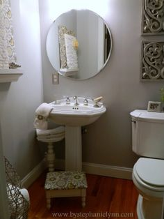 My Powder Room Decorating Makeover {for less than $15}