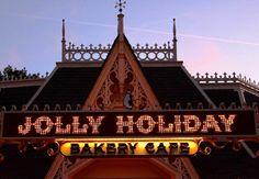 #JollyHoliday #MaryPoppins  #jolly #holiday #bakery #cafe #restaurant #restaurante #yum #yummy #delicioso #penguin #penguino #disney #disnerd #disneygram #disneyside #disneyworld #disneylandparis #disneydork #ilovedisney #ilovedisneyland #disneymovie #disneylandtokyo #disneylandhongkong by details_of_disneyland