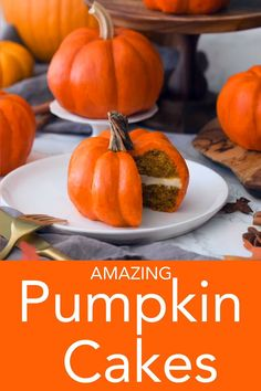 Amazing Pumpkin Cakes These delicious, delightful, and moist pumpkin cakes from Preppy Kitchen are filled with all your favorite fall spices, have a layer of cream cheese frosting inside, and just so happen to look like little pumpkins! Halloween Desserts, Holiday Desserts, Cute Halloween Cakes, Halloween Kitchen, Halloween Treats, Pumpkin Cakes, Pumpkin Cake Recipes, Pumkin Cupcakes, Autumn Cupcakes