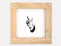 """""""Handicap"""", bordados hechos a mano con hilo negro sobre seda tensada en marcos de madera. Humberto Junca, 2000.       /////  """"Handicap"""", handmade embroideries with black thread on silk. Humberto Junca, 2000."""
