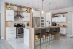 small kitchen remodel U-shape Condo Kitchen, Home Decor Kitchen, Kitchen Flooring, New Kitchen, Home Kitchens, Apartment Kitchen, English Country Kitchens, Country Kitchen Designs, Kitchen Cabinet Colors