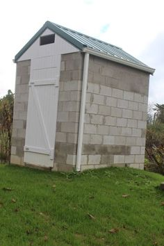 How to Build a Smokehouse for Smoked Cheese and Meat - Homesteading and Livestock - MOTHER EARTH NEWS