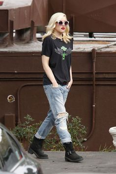 Gwen Stefani. Can I please be this effortlessly cool?