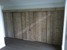 Steigerhout! Cupboard Doors, Cupboard Storage, Greek Bedroom, Wall Cupboards, Flat Ideas, Bedroom Wardrobe, Wardrobes, Kitchen Design, Woodworking